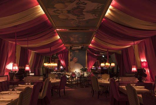 Màn rèm nhà hàng tại Màn Rèm Hướng Việt liên hệ để đặt sản phâm ngay